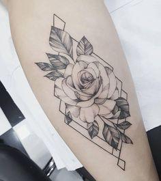 """3,135 curtidas, 7 comentários - Tatuagem Feminina (@tatuagemfeminina) no Instagram: """"Trabalho feito por @karoldiastattooist especialista em fineline, travalhos delicados e ricos em…"""""""