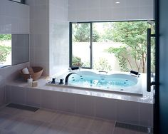 Ideal Bathrooms, Contemporary Bathrooms, Beautiful Bathrooms, Bathroom Spa, Bathroom Toilets, Modern Japanese Interior, Japanese Style Bathroom, Asian House, Relaxing Bath