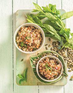 Μία πολύ υγιεινή και γευστική σαλάτα με κινόα και ποικιλία σπόρων, που μπορείτε να απολαύσετε χωρίς τύψεις και σε περιόδους δίαιτας. Fried Rice, Fries, Healthy Recipes, Ethnic Recipes, Food, Essen, Healthy Eating Recipes, Meals, Healthy Food Recipes