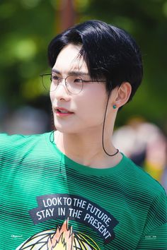A.c. e jun A C E Kpop, Aesthetic People, Korean Couple, K Idol, Korean Men, Asian Boys, Pop Group, Boy Bands, Memes