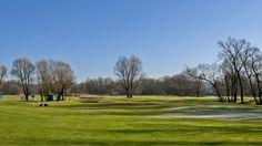 Tri Duby Golf Resort   18-jamkové golfové ihrisko, PAR 70, 18 jamkové golfové ihrisko, driving range, chipping, putting area, golf shop, reštaurácia, bar Zľava:fee: ; 10%; 20% VIP; 20% young; golf shop:; 10%