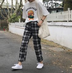 - Street Style Outfits - - 10 Astonishing Unique Ideas: Urban Fashion Spring Style urban fashion quotes spa … Source by StreetStyleOutfits Fashion 90s, Look Fashion, Trendy Fashion, Fashion Outfits, Fashion Design, Fashion Spring, Fashion Shorts, Dress Fashion, Fashion Ideas