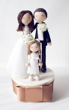 Hochzeitsdeko - WeddingCake-Toppers MIT KIND - individuell - ein Designerstück von catmade_wedding bei DaWanda