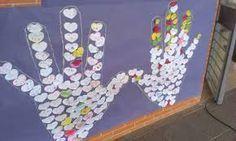 Resultado de imagen de murales día de la paz Saint Valentine, Valentines, Peace Crafts, Dodged A Bullet, Religion, Recycling, Activities, School, Projects