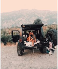 See more of itssavibe's content on VSCO. Photo Best Friends, Best Friend Pictures, Cute Friends, Bff Pictures, Friend Pics, Bff Goals, Best Friend Goals, Toyota Prius, Bmw I8