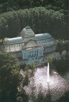 Palacio de Cristal ~ Glass & Metal Structure Built In 1887 To Exhibit Flora & Fauna From The Philippines ~ Buen Retiro Park ~ Madrid, Spain Beautiful Architecture, Beautiful Buildings, Beautiful Places, Gothic Architecture, Ancient Architecture, Modern Buildings, The Places Youll Go, Places To See, Jardin Decor