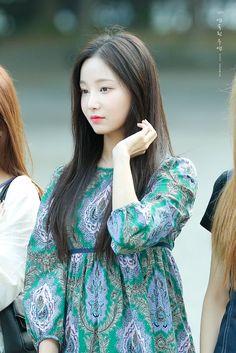 Kpop Girl Groups, Kpop Girls, Fans Cafe, Cute Pictures, Asian, Korean Idols