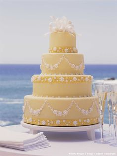 Yellow wedding cake. If only I were where that cake is!