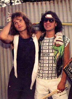 Alex Van Halen ❤️ and David Lee Roth 32 years ago today! Alex Van Halen, Eddie Van Halen, Rock N Roll Music, Rock And Roll, Wolfgang Van Halen, Gary Cherone, David Lee Roth, Hall & Oates, Famous Musicians