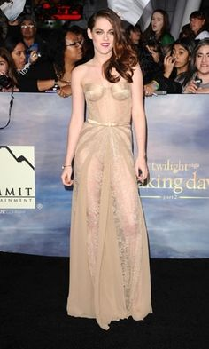 http://www.instyle.co.uk/fashion/look-of-the-day/sunday-30-december-2012/kristen-stewart-in-zuhair-murad-dress-at-the-twiligh#2