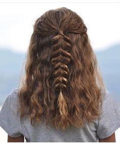 #Kurze Frisuren 2018 Eingängige umsponnene Frisur-Ideen für die Mädchen, die kurzes Haar haben #Schnitt #Flechten #kurzhaarfrisuren #Männer #HairStyle #NeuKurze #Damen #2018 #Ideen #haarestylen #Cut #beliebt #Short #Hair #Mode#Eingängige #umsponnene #Frisur-Ideen #für #die #Mädchen, #die #kurzes #Haar #haben