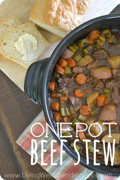 Love the simplicity of making a great family meal in just one pot? This easy-to-make beef stew comes together in just 20 minutes of effort, then cooks slowly in the oven for amazing flavor that your whole family will go absolutely crazy for! Rockcrok Recipes, Pampered Chef Recipes, Crockpot Recipes, Soup Recipes, Freezer Recipes, Dutch Oven Cooking, Dutch Oven Recipes, Easy Beef Stew, It Goes On