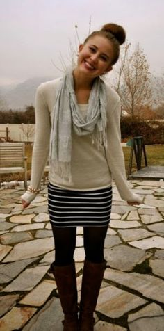 Over sized warm sweater and long boots fashion inspiration for ladies | Fashion and styles