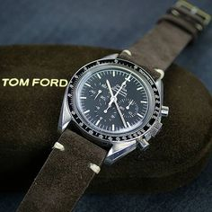 #sundaywatchrewind back to this shot of this Vintage Omega Speedmaster on a B & R Bands Brown Suede Classic Vintage Strap!!! #bandrbands #vintageomega #womw #speedmaster #vintagewatches #wis #vintagewatch #watchesofinstagram #watchmania #watchanish #tomford #watchdaily #watchgeek #watchfam #watchuseek #dailywatch #wristi #horology #timepiece #instawatches #submariner #steinhart #wruw #dapper by bandrbands