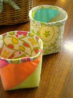 little scrap baskets --tutorial using  strips of quilting fabric