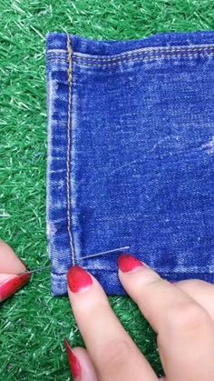 20 amazing sewing hacks for women video amazing hacks knitting sewing video women – ArtofitDIY now for your broken jeans! Life's moving fast, so make every second count. Sewing Hacks, Sewing Tutorials, Sewing Crafts, Sewing Projects, Sewing Tips, Sewing Jeans, Sewing Clothes, Sewing Stitches, Sewing Patterns