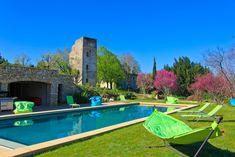 Piscine et jardin arboré et fleuri #edouardloubet #maisonsedouardloubet #legalinierdelourmarin #galinier #luberon #myluberon #provence