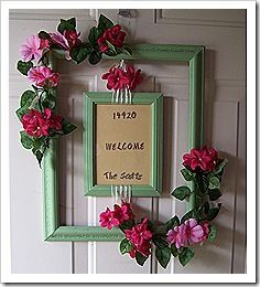 Summer door decor - Would be perfect for my front door. Summer door decor - Would be perfect for my Picture Frame Wreath, Picture Frame Crafts, Picture Frames, Diy Wreath, Door Wreaths, Wood Crafts, Fun Crafts, Front Door Decor, Door Hanging Decorations