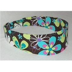 Headbands were very popular. Sometimes they were just a wide or thin band and sometimes they were a scarf and the tails of the scarf would hang down over your shoulder or back. How To Make Headbands, Headbands For Women, Women's Headbands, 1970s Hairstyles, Funky Hairstyles, Retro Living Rooms, Sewing Crafts, Sewing Ideas, Hair Band