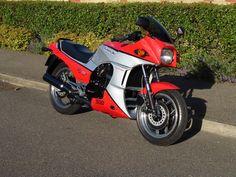 Restored Kawasaki - 1986 Photographs at Classic Bikes Restored - Kawasaki 900, Kawasaki Ninja, Classic Bikes, Classic Cars, Bsa Motorcycle, Jet Skies, Cb750, Old Bikes, Cool Motorcycles
