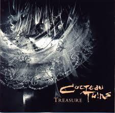 Cocteau Twins - suas capas são como poemas visuais.