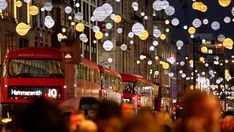 Weihnachten in London 2020 - Danke an die Helden: The Chill Report Spice Girls, Weihnachten In London, Boxing Day Sales, Used Bus, Global Icon, Europe, London Travel, You Are Awesome, Things To Do