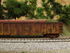 Weathering up a Walthers Gold Illinois Terminal Gondola and installing grab irons - The Whistle Post - Model Railroad Forum