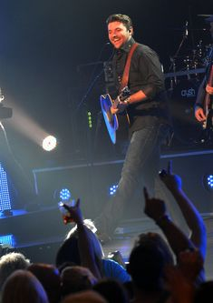 Chris Young - Chris Young In Concert - Nashville, TN