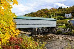 Pont couvert de l'Anse-St-Jean Outdoor Furniture, Outdoor Decor, Bench, Home Decor, Bridge, Vacation, Fall Season, Landscape, Decoration Home