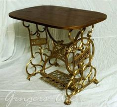22 Reuse and Recycle Ideas to Create Small Tables with Vintage Sewing Machines vintage furniture recycling old sewing machines – Mobilier de Salon Decor, Redo Furniture, Painted Furniture, Sewing Table, Repurposed Furniture, Recycled Furniture, Vintage Furniture, Old Sewing Machines, Sewing Machine Tables