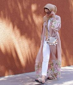 - Girly and cute open Abaya – Just Trendy Girls: www.justtrendygir… Girly and cute open Abaya – Just Trendy Girls: www. Modest Fashion Hijab, Hijab Style Dress, Modern Hijab Fashion, Hijab Fashion Inspiration, Abaya Fashion, Muslim Fashion, Couture Fashion, Fashion Outfits, Moslem