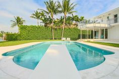 6410 N Bay Rd, Miami, FL 33141 -  $9,999,000 Luxury Home and House Property For Sale Image