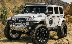 Visit the post for more. Super Pictures, Super Images, Jeep 4x4, Jeep Truck, Jeep Wrangler Jk, Jeep Wrangler Unlimited, Cool Jeeps, Cool Trucks, Land Cruiser