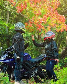 Bike Couple, Motorcycle Couple, Bajaj Motos, Duke Bike, Bike Photoshoot, Bike Pic, Truck Games, Motorcycle Photography, Joker Wallpapers