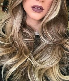 The highlights and lowlights on this blonde cool blonde highlights, hair highlights and Blonde Hair Makeup, Balayage Hair Blonde, Ombre Hair, Cool Blonde Highlights, Hair Highlights And Lowlights, Chunky Highlights, Caramel Highlights, Color Highlights, Blonde Hair Brown Lowlights