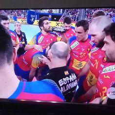 Vamos a ganar xq? Porque somos Españoles y en otras cosas damos vergüenza pero en deporte somos cracks. #hispanos #España #balonmano #europeo #hispanostve