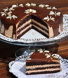 Tort cu visine si mousse de ciocolata | Retete culinare cu Laura Sava Dessert Cake Recipes, Dessert Bread, Cookie Recipes, Romanian Desserts, Romanian Food, Mousse, Sweet Tarts, Cakes And More, Amazing Cakes
