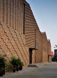 brick patterns. Pavilion 4 / HMA Architects & Designers © Gengtao
