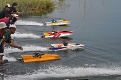 Zee Photography: Radio-Controlled (RC) Boat Race 2010