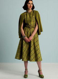 V8811   Misses' Dolman Sleeve Dresses and Belt   Vogue Patterns