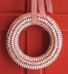 Craftaholics Anonymous®   Christmas Wreaths Round Up! This would be SO cute with a bow or flower on it!