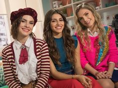 Aparato do Entretenimento: CRÍTICA: Disney Bia faz estreia impecável na tela do Disney Channel Disney Channel, Sou Luna Disney, Victor Ortiz, Maria Jose, Little Mix, Beauty Queens, Taylor Swift, Bff, Victoria
