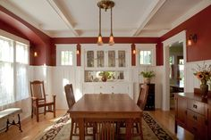 A Thoughtful Bungalow Restoration In the dining room, Tim uncovered ceiling beams once hidden, added wainscoting and era-appropriate trim, and Bungalow Dining Room, Craftsman Dining Room, Craftsman Interior, Craftsman Style Interiors, Bungalow Decor, Craftsman Trim, Modern Bungalow, Bungalow Homes, Craftsman Kitchen