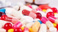 Những loại thực phẩm không nên dùng khi uống thuốc  Ảnh minh họa: Shutterstock  Một số thực phẩm có thể làm thuốc mất tác dụng nếu không nói là tác dụng phụ nguy hiểm. Dưới đây là hướng dẫn của tiến sĩ Aisling Hillick tại babylonhealth.com về thực phẩm và thuốc khi được dùng cùng lúc được trangMirrorđăng lại ngày 28.3.  Chuối  Với những người dùng thuốc như Captopril thuốc ức chế ACE hoặc đối kháng thụ thể Angiotensin trong điều trị huyết áp cao nên tránh ăn thực phẩm giàu kali như chuối rau…