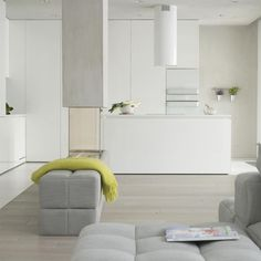 FEMININIE MINIMALISM - Wilanow apartment