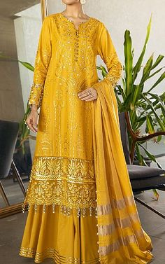 Pakistani Dresses Online Shopping, Online Dress Shopping, Pakistani Lawn Suits, Ethnic Fashion, Clothes For Sale, Fashion Dresses, Indian, Design, Fashion Show Dresses