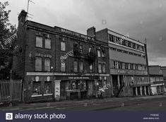 Both derelict and stood side by side, The Queens Hotel and Robert Neill and Co, Scotland Street, Sheffield, South - Stock Image