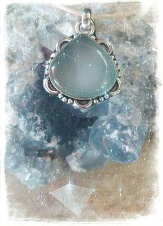 Guarda questo articolo nel mio negozio Etsy https://www.etsy.com/it/listing/498071461/ciondolo-in-argento-e-pietra-di-luna