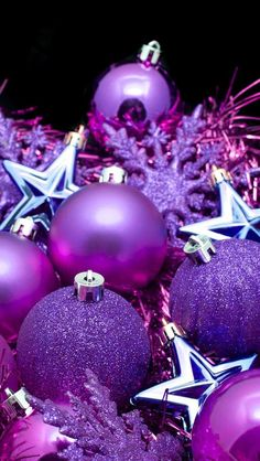 50 Christmas Decoration Ideas You Should Know for a Merry Christmas Purple Christmas Decorations, Purple Christmas Ornaments, Merry Christmas, Christmas Images, Christmas Wreaths, Holiday Decor, Gold Christmas, Christmas Kitchen, Christmas Tree Ornaments Wallpaper