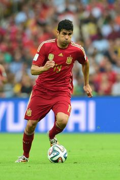 Spain Eliminated From World Cup With Devastating Loss To Chile - Spain's forward Diego Costa dribbles the ball during a Group B football match between Spain and Chile in the Maracana Stadium in Rio de Janeiro during the 2014 FIFA World Cup on June 18, 2014.